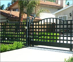 Wrought Iron Fence Designs